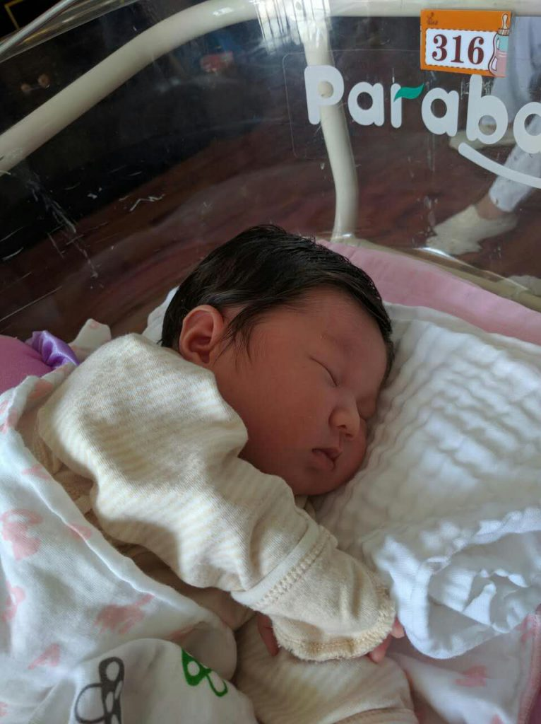 Min lillasyster, vars namn är 雨寒 vilket betyder kallt regn typ, väldigt fint namn för en fin tjej:)
